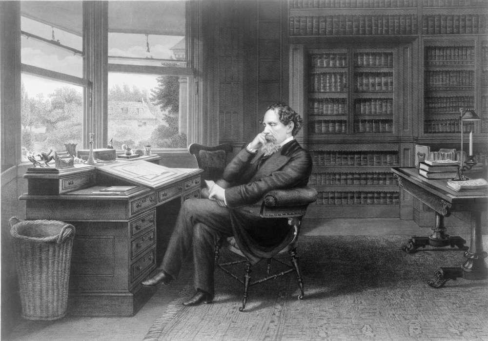 Charles Dickens (1812-1870) en su estudio en Gad's Hill Place. Foto: Everett Historical / Shutterstock
