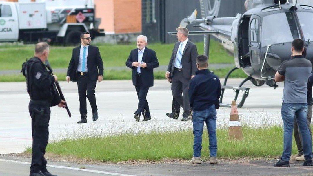 Lula pudo salir de prisión para asistir al funeral de su nieto. Foto: Twitter