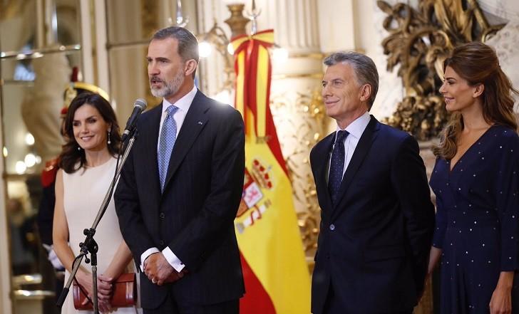 Macri recibe el apoyo de los reyes de España a sus reformas en Argentina.