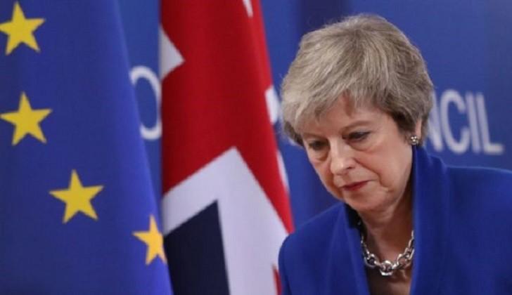 Theresa May solicita formalmente una prórroga a la UE para salvar el Brexit