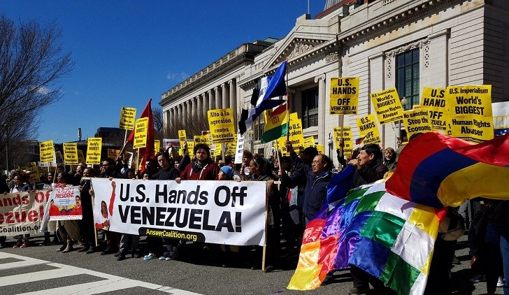"""""""Hands off Venezuela"""": protestas en Washington contra la  intervención de EE.UU."""