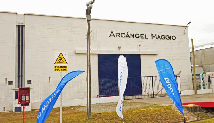 Industria gráfica argentina Arcángel Maggio en Colonia. Foto: Presidencia de la República.