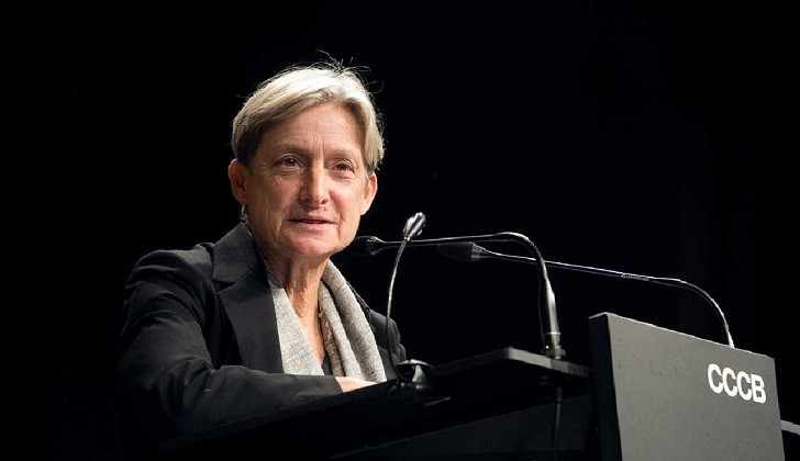 """Judith Butler a los hombres: """"Rompan el pacto de hermandad y denuncien los abusos""""."""