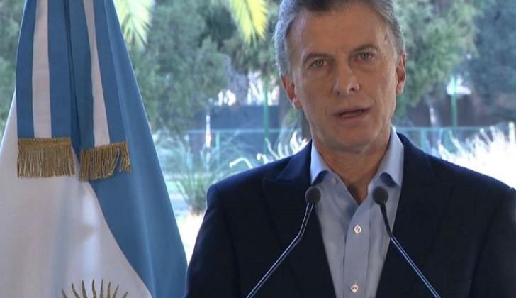 Macri lanzó un parquete de medidas para contener la crisis económica