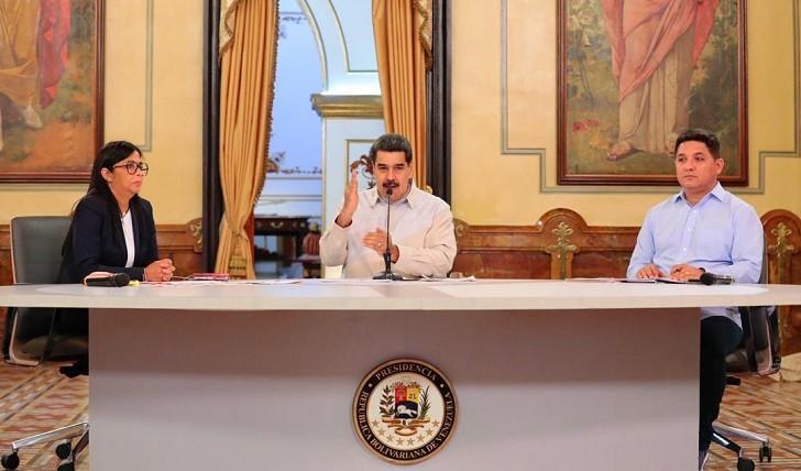 A tres meses de la autoproclamación de Guaidó, Maduro afirma tener el control del país.
