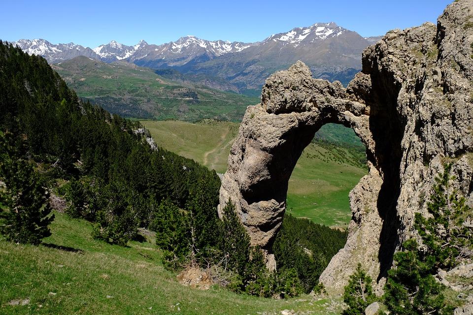 Los Pirineos dividen a España de Francia. Foto: Pixabay