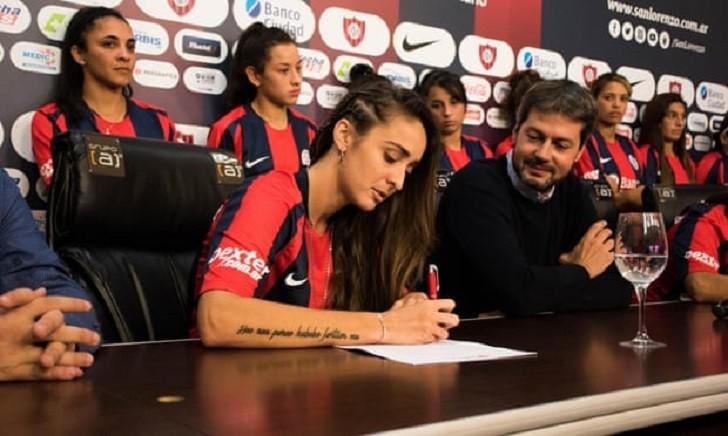 San Lorenzo lanzó el primer equipo femenino de fútbol profesional argentino.