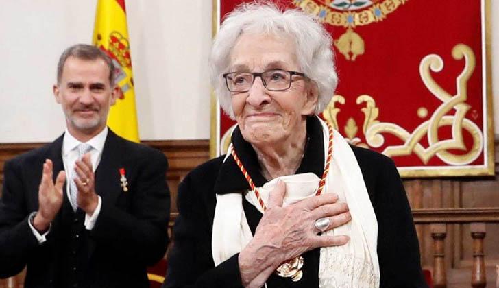 Ida Vitale recibe el Premio Cervantes 2018. Foto: RTVE.