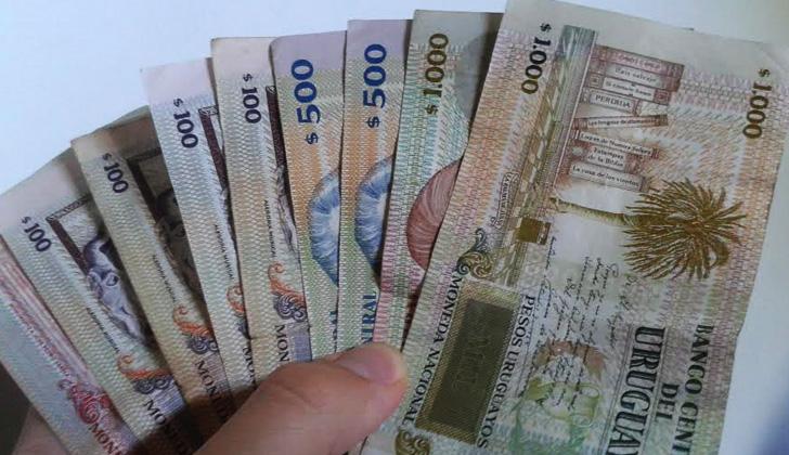 Salario mínimo aumentará a 15.650 pesos y pasividad mínima a 12.462 pesos