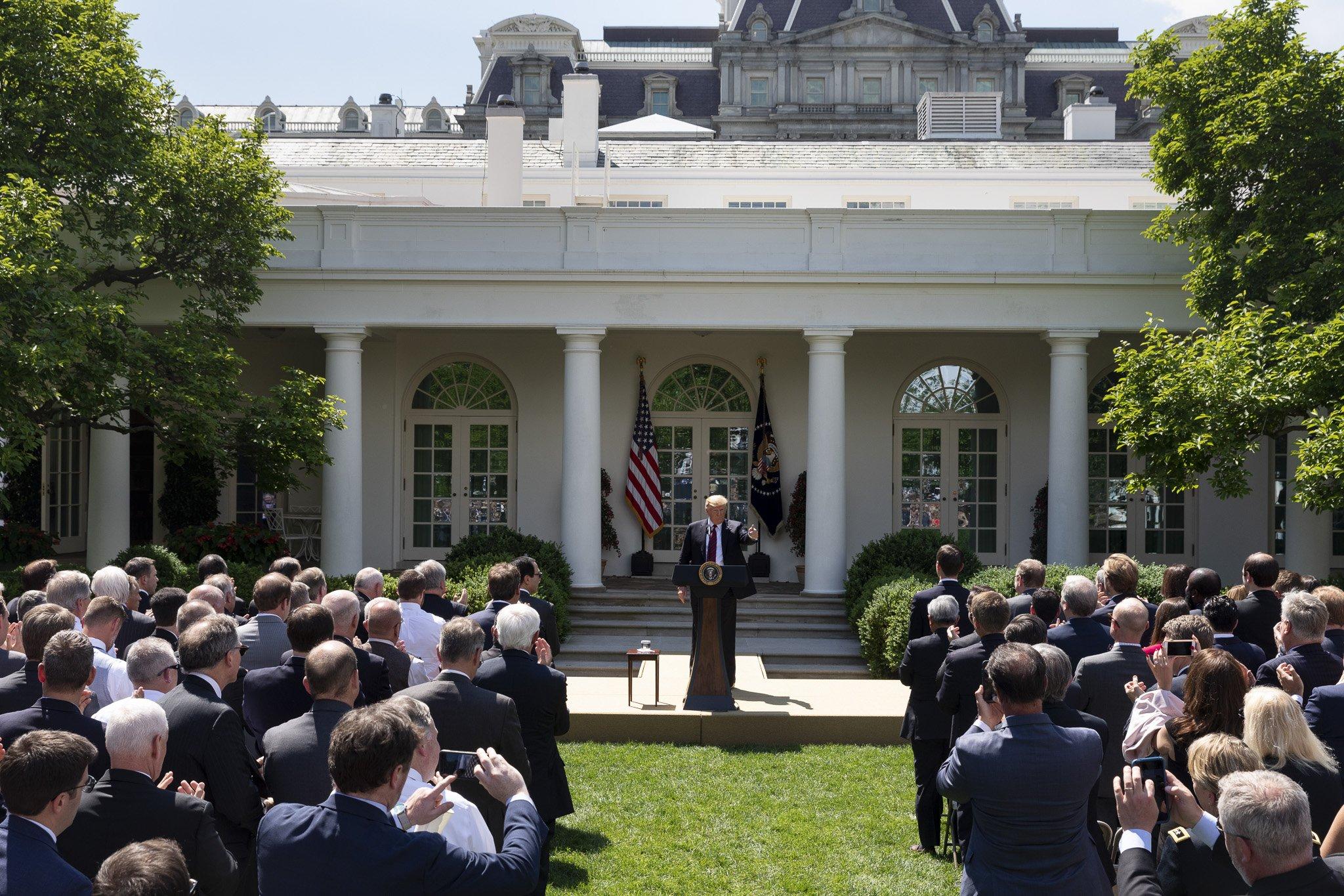 """""""El presidente ha presentado el plan más pro-estadounidense y más pro-inmigrante de la historia"""", tuiteó la Casa Blanca"""