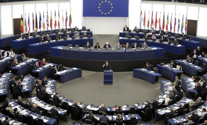 Reino Unido y Holanda abren las elecciones al Parlamento Europeo.