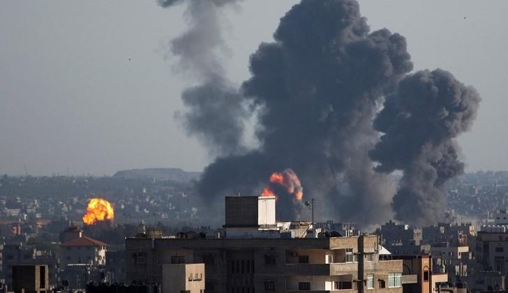 Israel bombardea Gaza tras denunciar el lanzamiento de decenas de cohetes desde Palestina