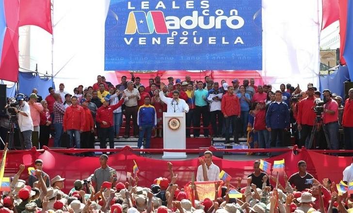 Maduro propone elecciones para renovar el Parlamento opositor