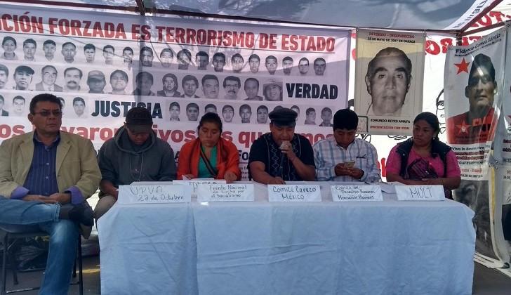 """""""Verdad y justicia. Perdón nunca, y ¡olvido jamás!"""", plantón por víctimas de desaparición forzada en México"""