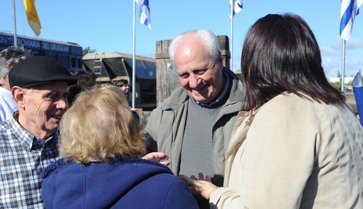 Ministro Rossi en Paso de los Toros. Foto: Presidencia de la República.