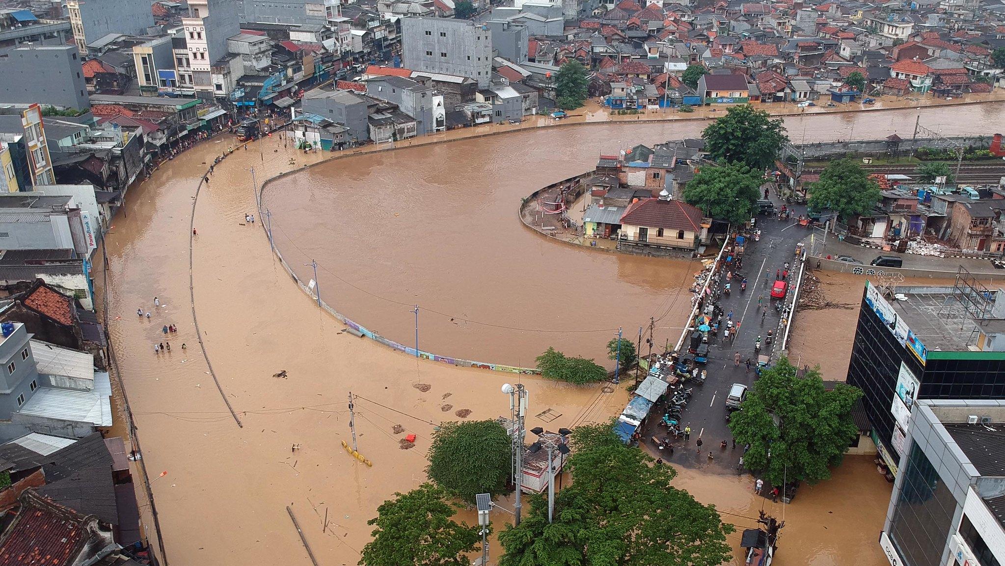 Inundación en la localidad de Prumpung, Yakarta. Foto: Arya Manggala / World Meteorological Organization