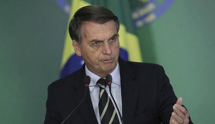 """Bolsonaro: """"Quien quiere desarmar al pueblo es porque quiere el poder absoluto"""""""