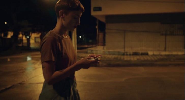 """""""Ayuda"""", el nuevo video de Eli Almic que aborda el acoso callejero"""