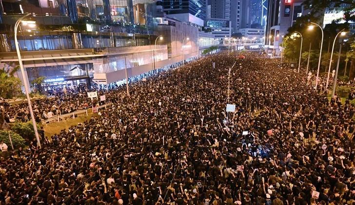 El Gobierno de Hong Kong suspendió la ley de extradición a China