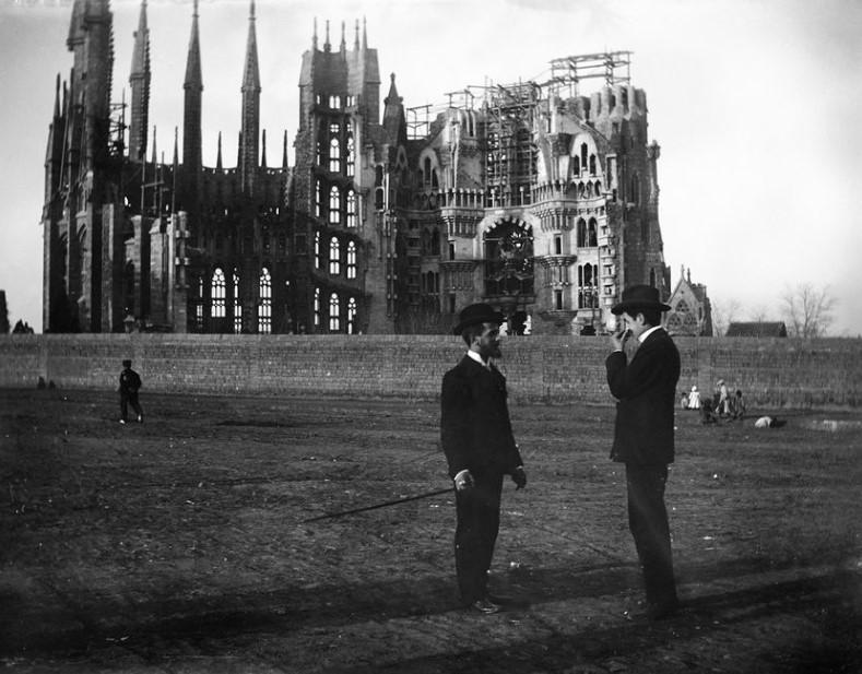 La Sagrada Familia en 1925. Foto: Wikimedia Commons