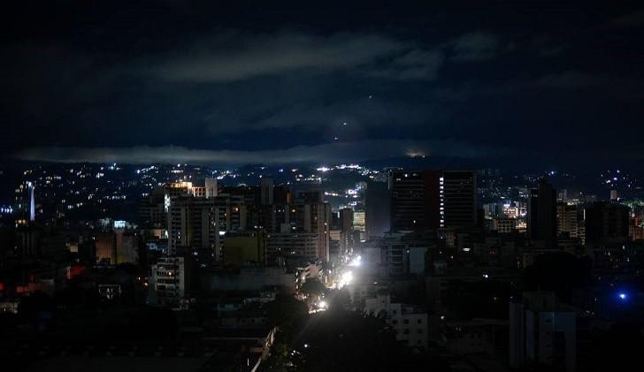 """Maduro denunció un """"ataque electromagnético"""" ante un nuevo apagón en Venezuela"""