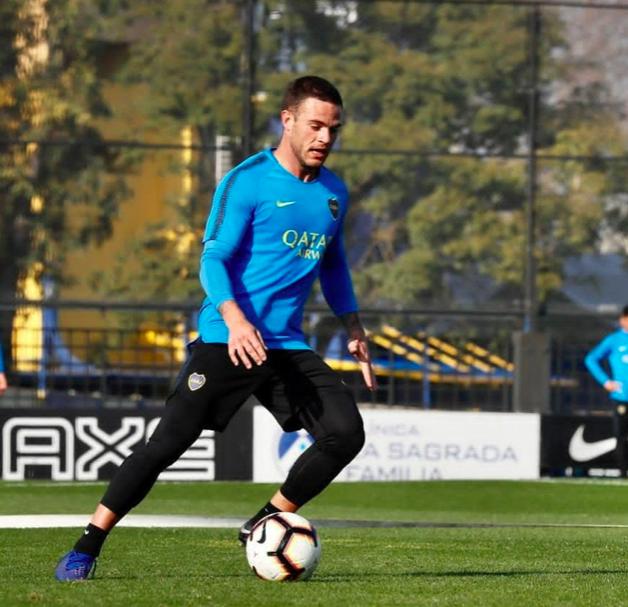Boca rechaza la primera oferta del Cagliari por Nández