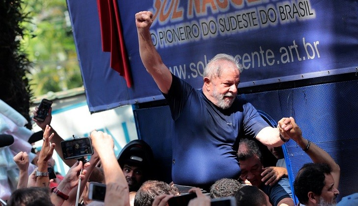 """Exdirector de Odebrecht revela que tuvo que """"construir una historia"""" para incriminar a Lula."""