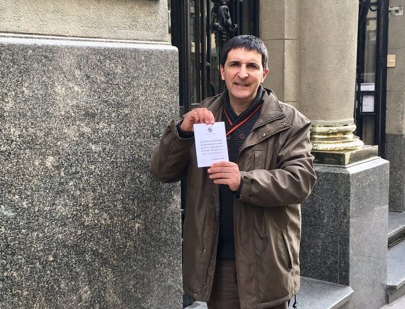 El diputado nacionalista Carlos Iafigliola es, junto con Álvaro Dastugue, impulsor del referendo para la derogación de la Ley Trans