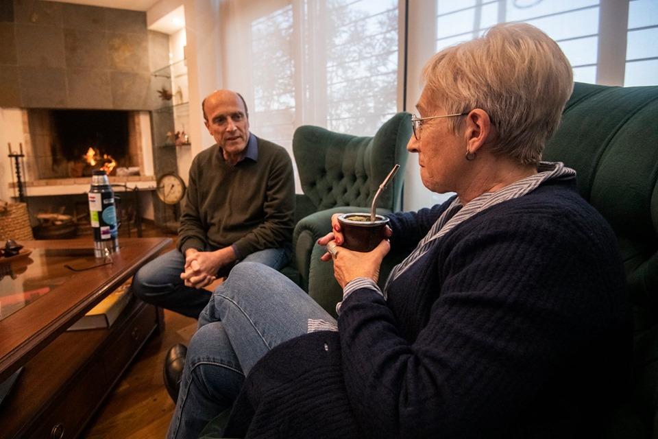 Martínez y Villar se reunieron en la casa del primero para conversar este martes. Foto: Facebook / Daniel Martínez