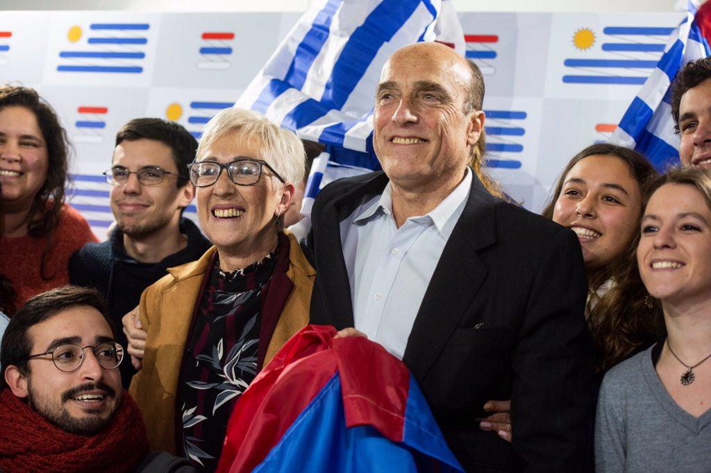 Daniel Martínez y Graviela Villar integran la fórmula presidencial del Frente Amplio de cara a ganar el cuarto gobierno para la izquierda en el Uruguay. Foto: Twitter / Dmartinez_uy