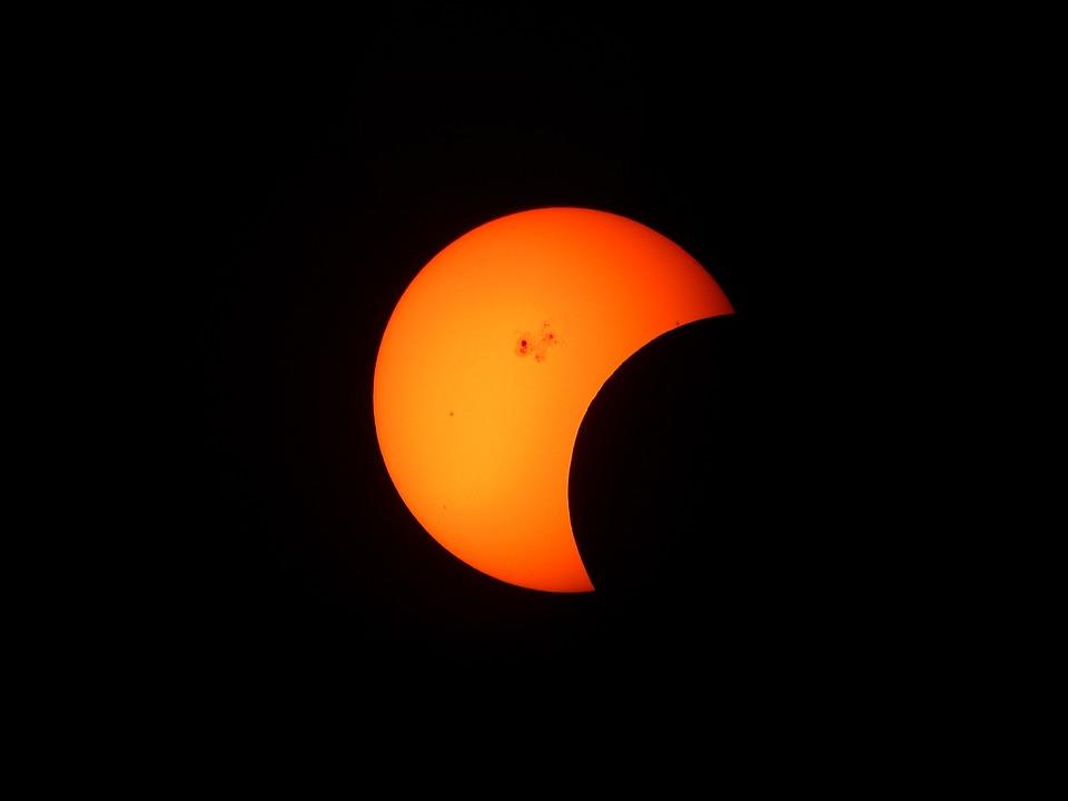 CieniCiencia acercará a los astorganos el eclipse de luna del día 16
