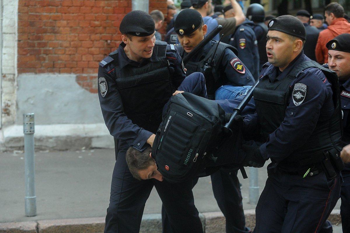 El pasado domingo, la policía moscovita detuvo a decenas de manifestantes en una protesta semejante. Foto: Svoboda Radio de Rusia