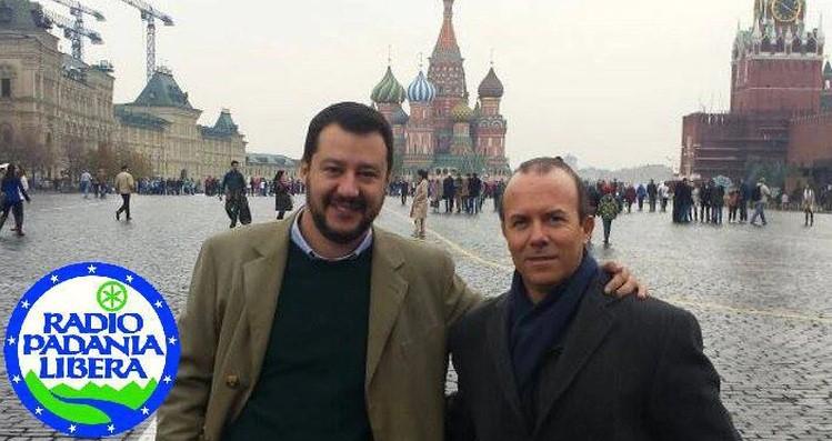 Gianluca Savoini (der) junto con Matteo Salvini en Moscú