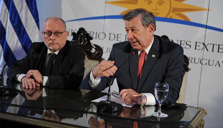 Ministro de Relaciones Exteriores de Argentina, Jorge Faurie, junto al canciller de la República, Rodolfo Nin Novoa. Foto: Presidencia.