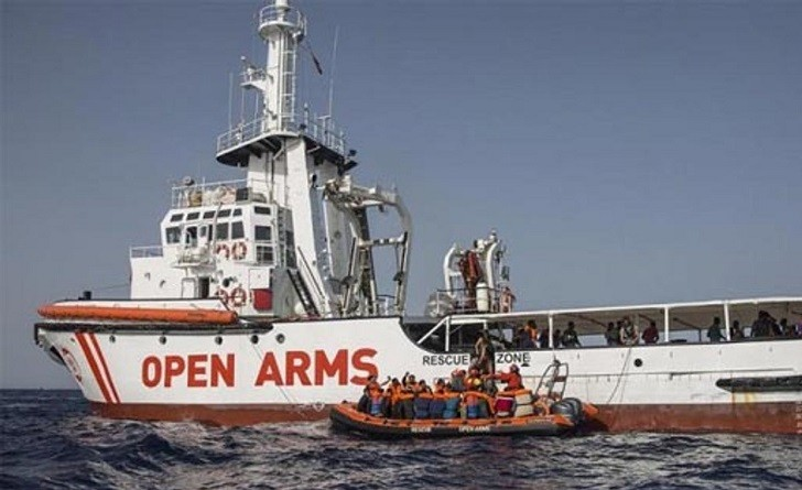 Un tribunal permite la entrada del Open Arms en aguas italianas