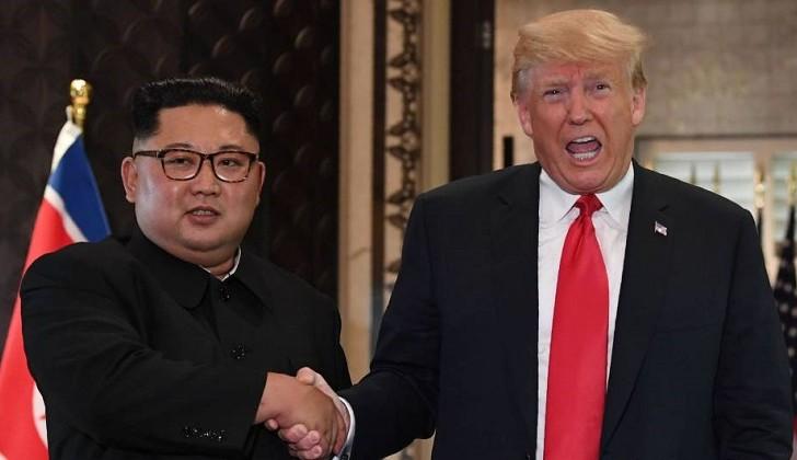 """Trump dijo que Kim le envió una """"pequeña disculpa"""" por probar misiles de corto alcance."""