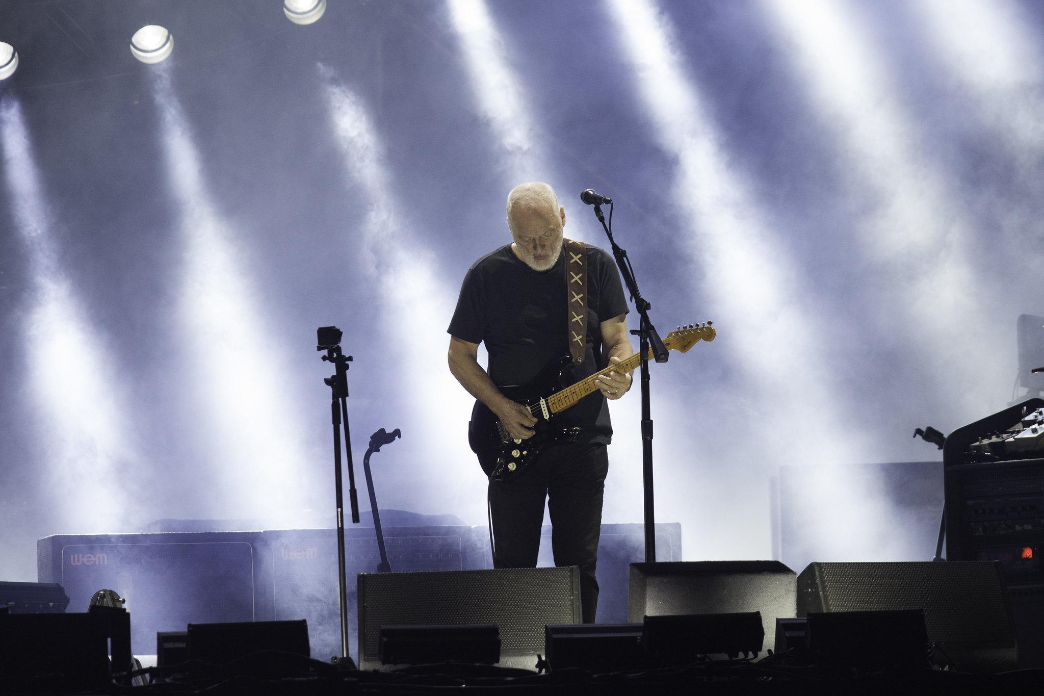 David Gilmour tocando en Hipódromo San Isidro, en Buenos Aires, Argentina. Foto: Flickr / Jimmy Baikovicious
