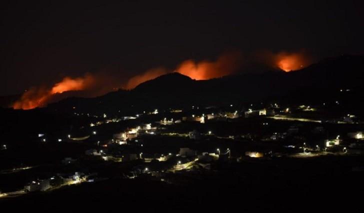 Incendio sin control en la isla de Gran Canaria, ya son 4.000 las personas evacuadas.