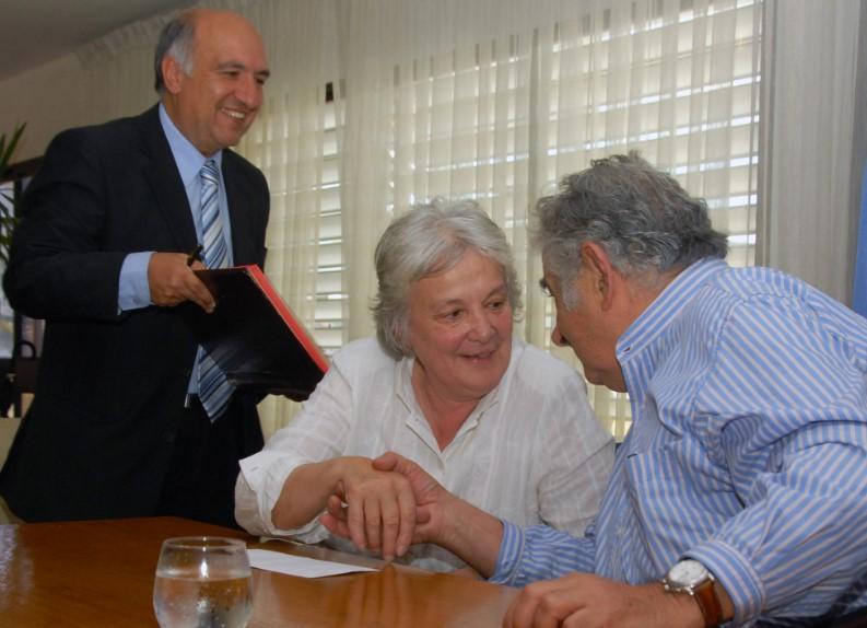 Domenech fue secretario de Presidencia desde el gobierno de Luis Alberto Lacalle y renunció en marzo de este año