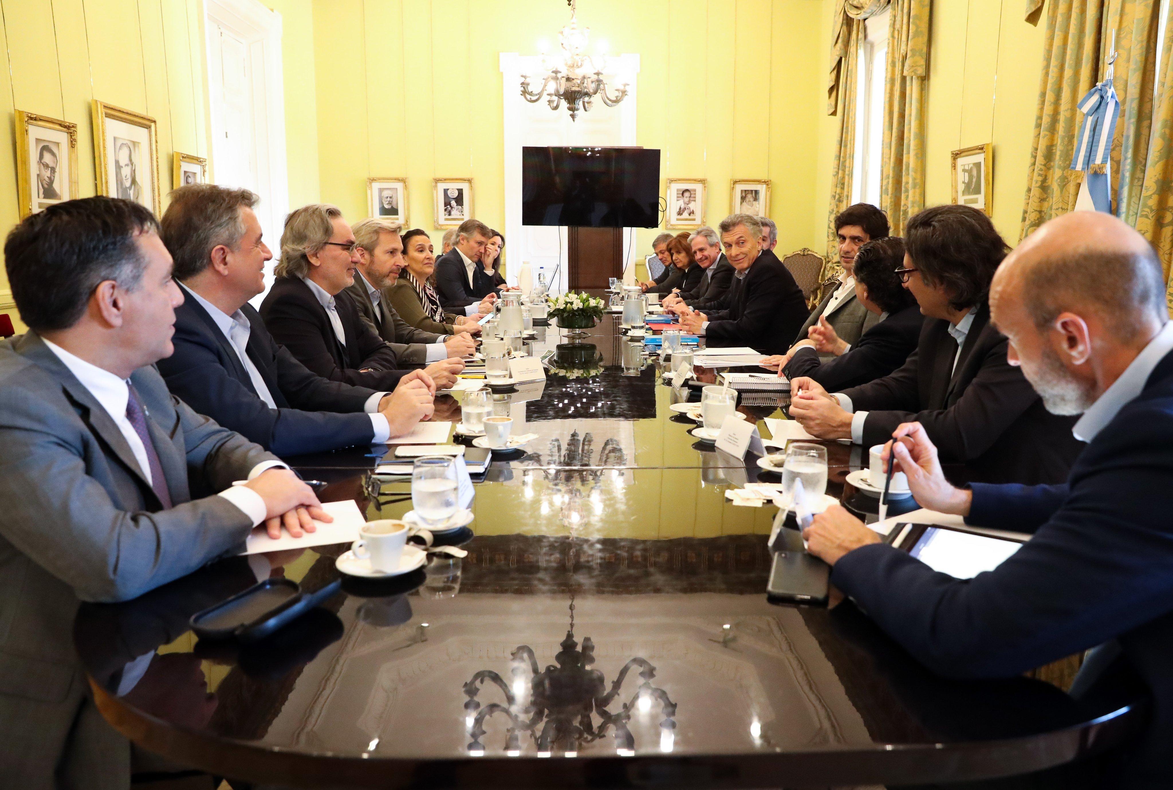 Macri reunido con todo su gabinete en la Quinta de Olivos. Foto: Twitter / Casa Rosada