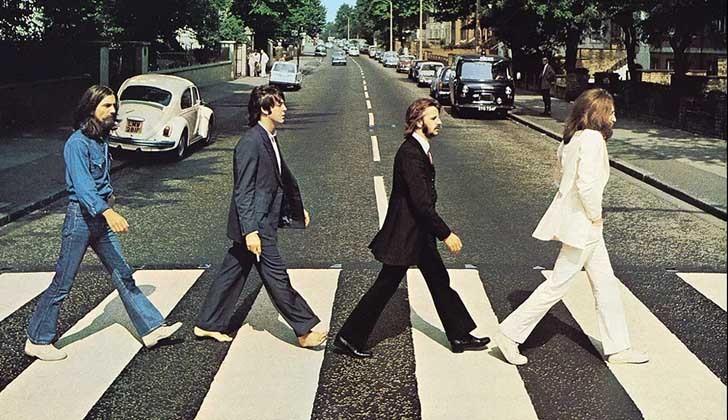 Los Beatles cruzan de nuevo Abbey Road