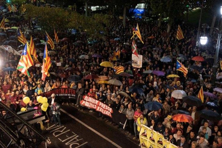 """Manifestaciones en Barcelona en contra de la sentencia a los """"procés"""" /Foto: Heraldo"""