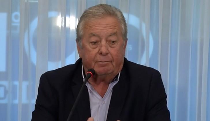 Intendente de Colonia, Carlos Moreira, en conferencia de prensa.