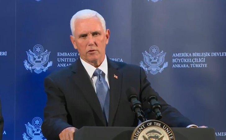 Vicepresidente Pence anunciando el tratado en la embajada de los Estados Unidos en Turquía / Foto: VP Pence
