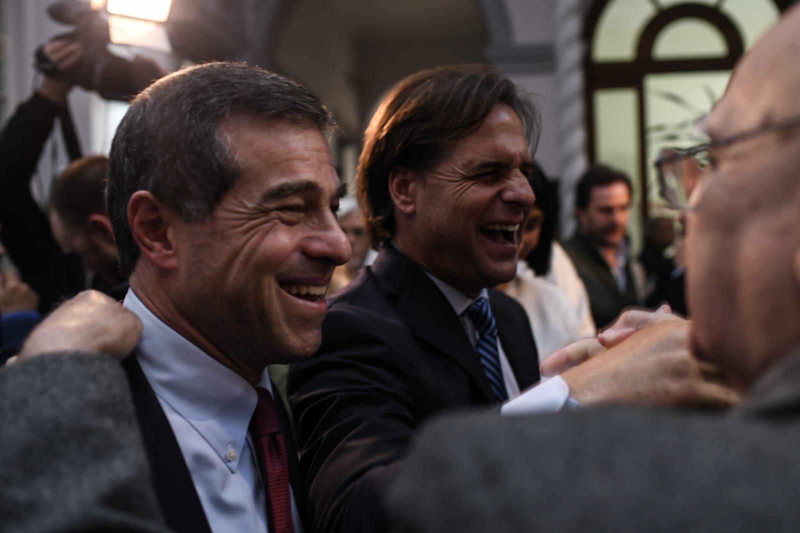 En noviembre de 2019, Talvi le dio su adhesión a Lacalle Pou y pidió que los votantes colorados se volcaran al entonces candidato nacionalista. Foto: Twitter / Ernesto Talvi
