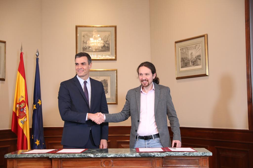 """Pedro Sánchez (izq) y Pablo Iglesias gobernarán España en esta nueva """"coalición progresista"""". Foto: Twitter / PSOE"""