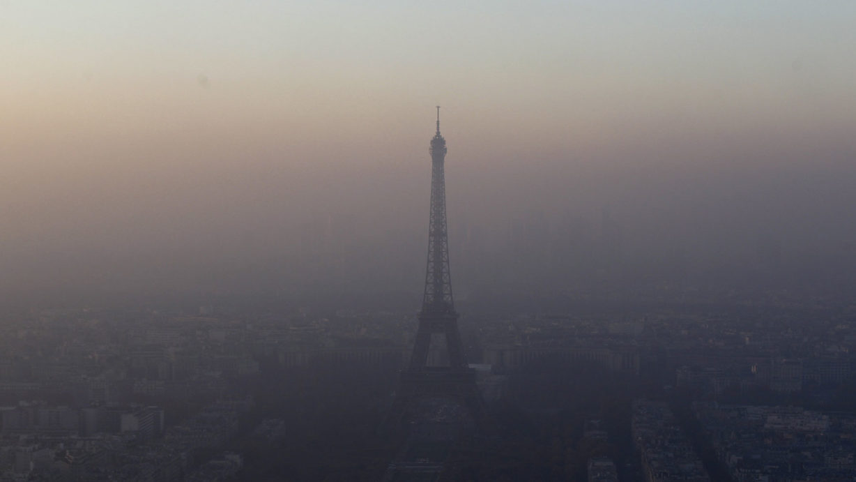 paris-air-pollution-car-ban-1800-1228x691