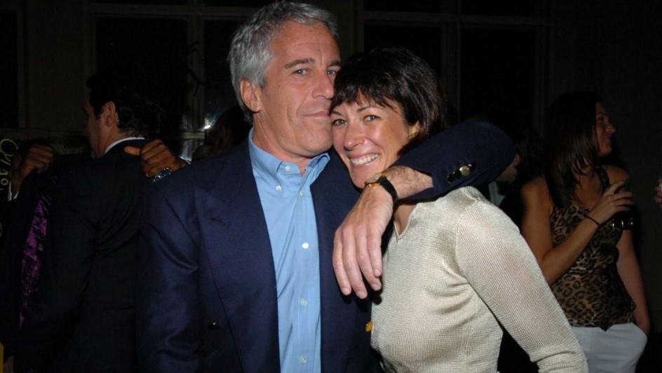 Ghislaine Maxwell junto a Jefrrey Epstein