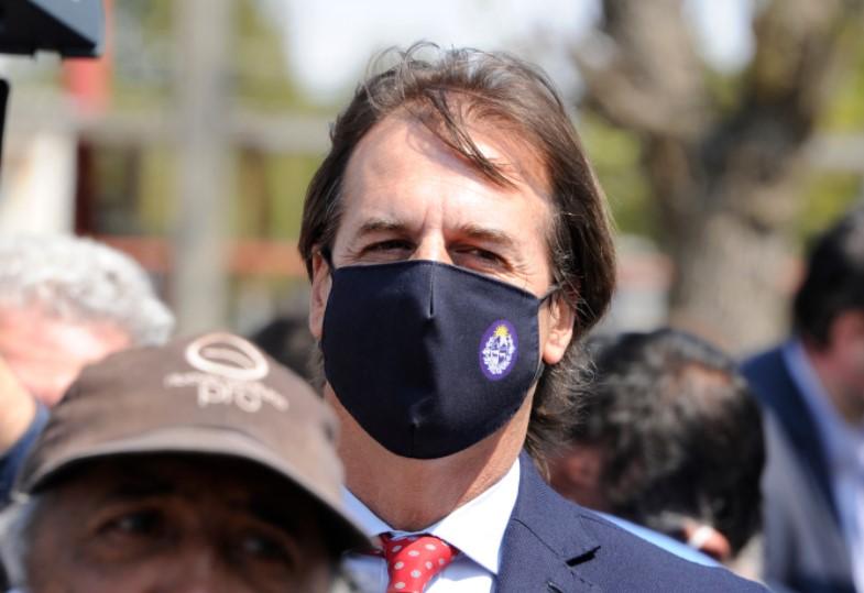 """Prensa internacional destaca que Uruguay es """"líder en muertes en la región"""" por COVID-19"""