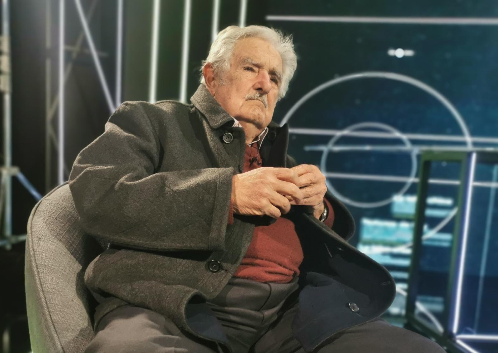 """Mujica: """"Se hizo campaña diciendo que iba a bajar la nafta y subió más que nunca"""""""